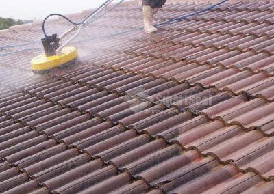 75-photo-rotary-cleaner-on-roof-tiles